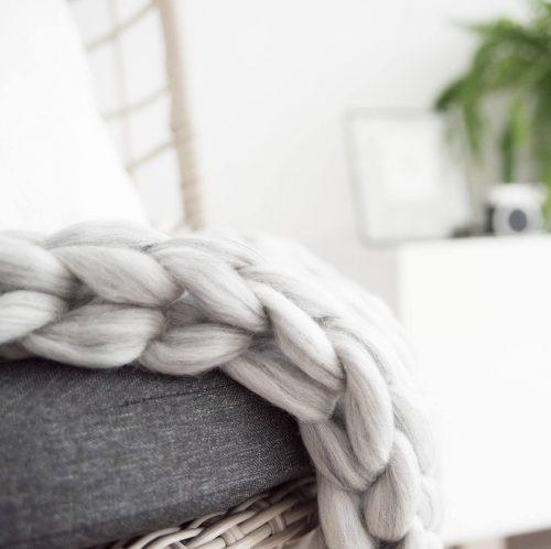 chunky knit xxl merino wool woollen plaid blanket throw pillow cushion taupe grey