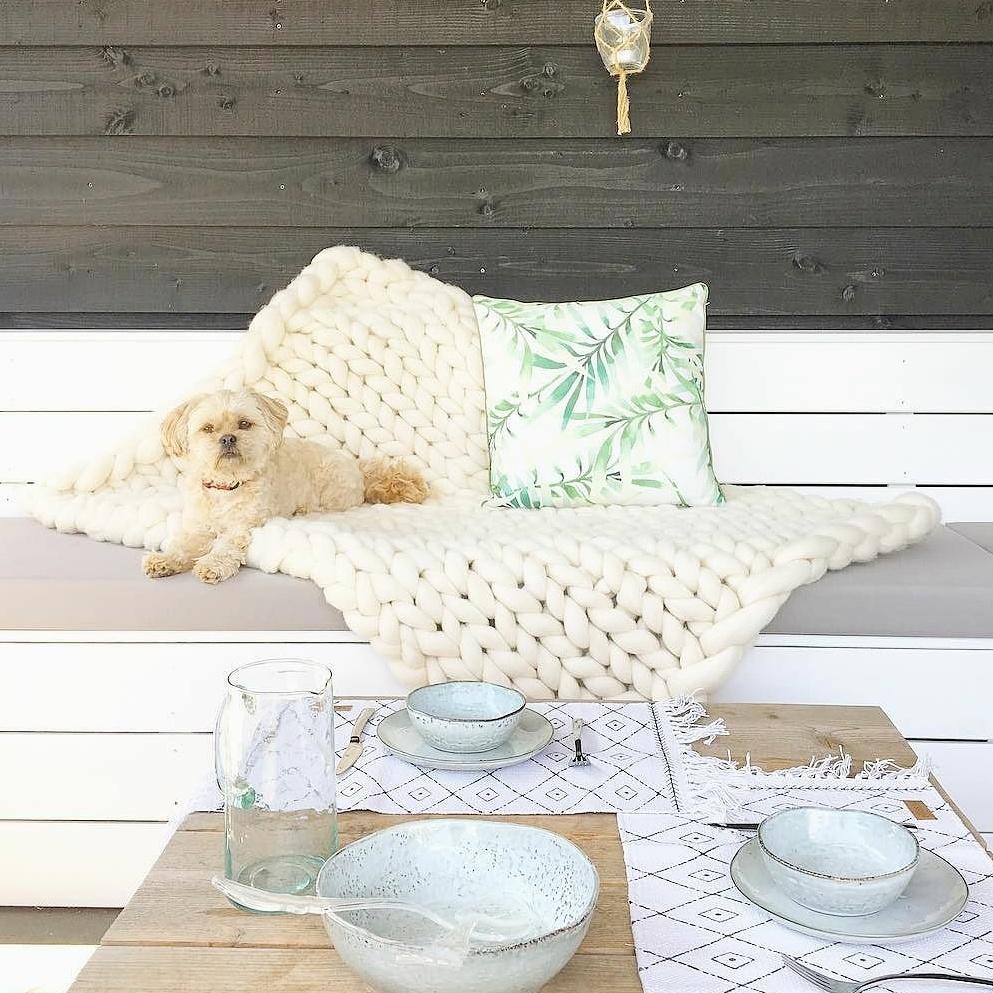 chunky knit xxl merino wool woollen plaid blanket throw pillow cushion taupe grey woolwhite white
