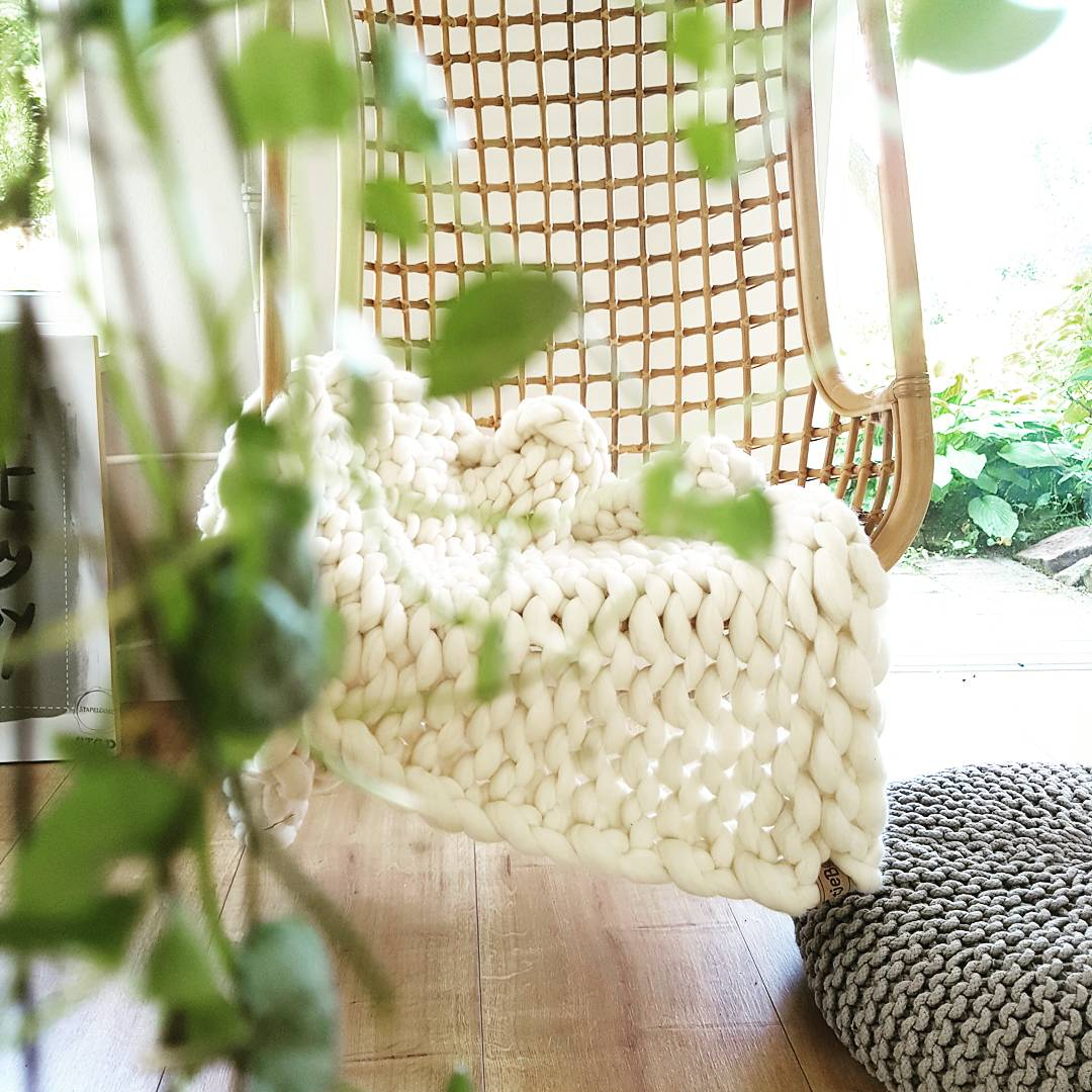 wolletje bol bolletje wol chunky knit merino wool woollen plaid blanket pillow cushion wool white throw