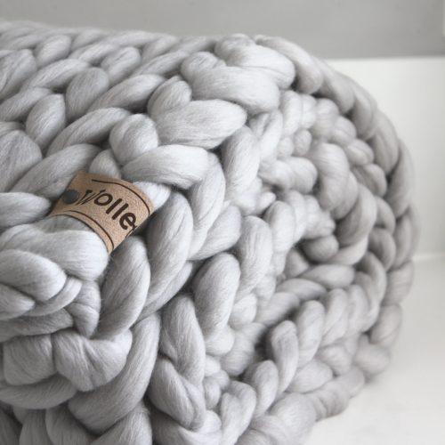 wolletje bol bolletje wol chunky knit merino wool woollen plaid blanket pillow cushion taupe silver grey throw organic wool