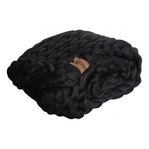 chunky merino grof gebreid plaid deken kussens wol zomerplaid grijs lichtgrijs asgrijs plaid bolletje wol bolletje wolletje zwart plaid