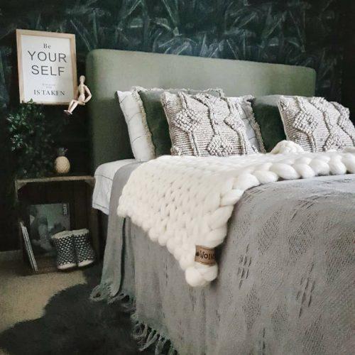 chunky merino grof gebreid plaid deken kussens wol zomerplaid grijs lichtgrijs olijfgrijs plaid bolletje wol bolletje wolletje zachtroze wolwit plaid biologisch