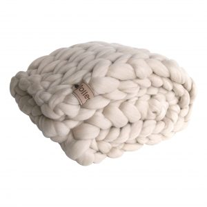 chunky merino grof gebreid plaid deken kussens wol zomerplaid grijs lichtgrijs olijfgrijs plaid bolletje wol bolletje wolletje linnen plaid biologisch gots