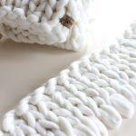 chunky merino grof gebreid gebreide plaid deken kussens wol plaid bolletje wol bolletje wolletje plaid wit sneeuwwit biologisch gots diy lontwol kopen zelf maken