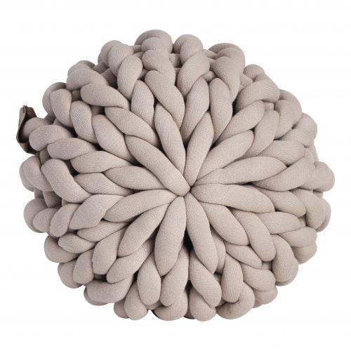 Beige pouf chunky organic cotton sand linen xxl knit crochet plaid bolletje wol bolletje wolletje big cotton vegan childfriendly animalfriendly wolletjebol