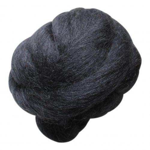 wolletje bol bolletje wol chunky knit xxl merino wool woollen plaid blanket throw pillow cushion anthracite organic wool do it yourself diy buy merino wool make your own chunky knit anthracite throw