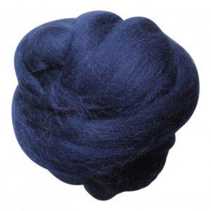 wolletje bol bolletje wol chunky knit xxl merino wool woollen plaid blanket throw pillow cushion dark denim organic wool do it yourself diy buy merino wool make your own chunky knit dark denim throw