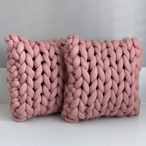 Old pink pillows chunky organic cotton dirty soft pink xxl knit crochet plaid bolletje wol bolletje wolletje big cotton vegan childfriendly animalfriendly wolletjebol