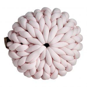 Pastelroze poef chunky katoen roze zachtroze cotton grof gebreid gebreide deken cotton bolletje wol bolletje wolletje vegan kindvriendelijk huisdiervriendelijk gots biologisch verantwoord xxl armbreien