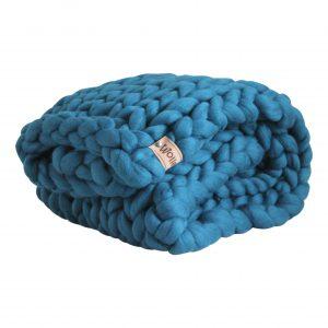 wolletje bol bolletje wol chunky knit merino wool woollen plaid blanket pillow cushion petrol blue throw organic wool
