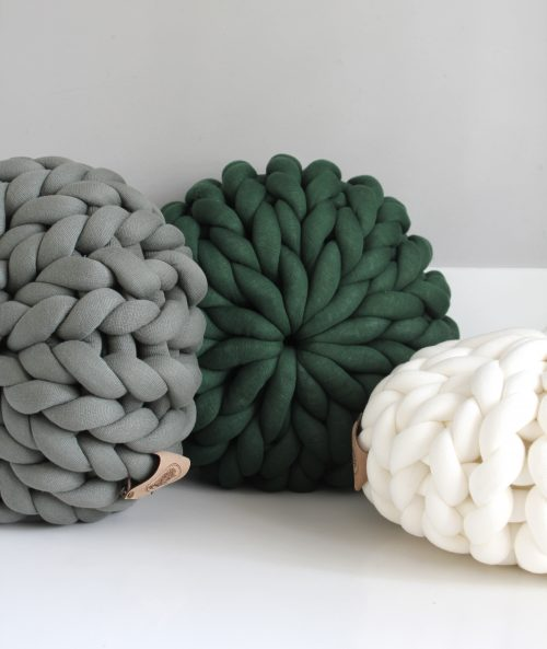 Cream white dark green grey green pouf chunky organic cotton xxl knit crochet plaid bolletje wol bolletje wolletje big cotton vegan childfriendly animalfriendly wolletjebol