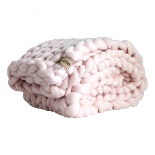 wolletje bol bolletje wol chunky knit merino wool woollen plaid blanket pillow cushion pastel pink throw organic wool