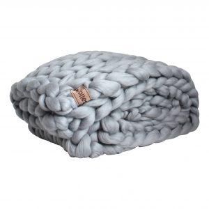 wolletje bol bolletje wol chunky knit xxl merino wool woollen plaid blanket pillow cushion stone grey throw organic wool