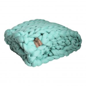 chunky merino grof gebreid plaid deken kussens wol zomerplaid grijs lichtgrijs olijfgrijs plaid bolletje wol bolletje wolletje mintblauw mintgroen plaid biologisch gots