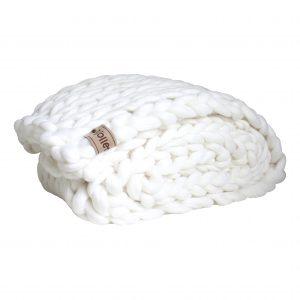 wolletje bol bolletje wol chunky knit xxl merino wool woollen plaid blanket pillow cushion snow white throw organic wool