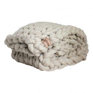 wolletje bol bolletje wol chunky knit xxl merino wool woollen plaid blanket pillow cushion taupe grey throw