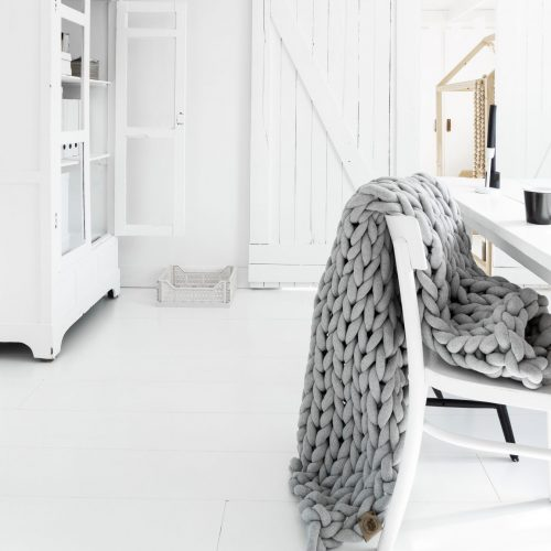 xxl knit crochet plaid bolletje wol bolletje wolletje mouse light silver grey throw chunky cotton vegan child friendly animal friendly