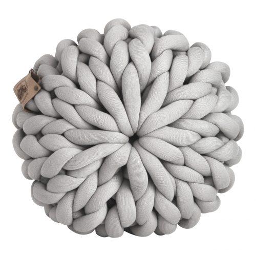 Silver grey pouf chunky organic cotton mouse light grey xxl knit crochet plaid bolletje wol bolletje wolletje big cotton vegan childfriendly animalfriendly wolletjebol